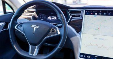 Charles Hoskinson quer que Tesla comece a aceitar Cardano